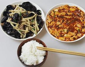"""""""少吃米饭多吃菜""""有利健康吗?"""