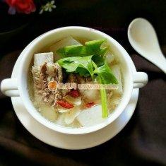 排骨萝卜百合汤的做法