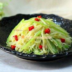 小芹菜炒土豆丝的做法