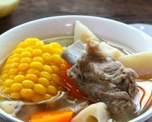 莲藕玉米排骨汤的家常做法