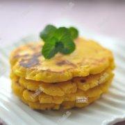 玉米面鸡蛋小饼的做法