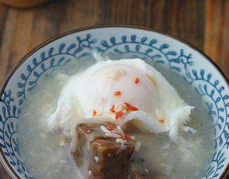 崇明糕鸡蛋酒酿糖水的做法 崇明糕鸡蛋酒酿煮糖水堪称一绝