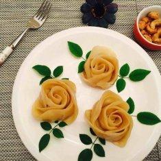 玫瑰花煎饺的做法