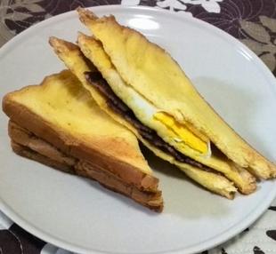 红酒培根奶香三明治的家常做法