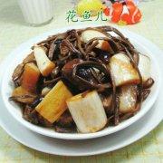 茶树菇茭白烧五花肉的做法