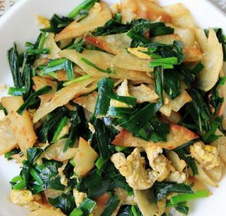 韭菜鸡蛋炒脆饼的家常做法