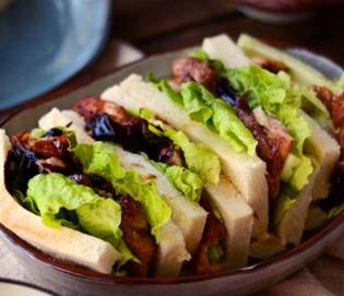 烤鸭风味三明治的家常做法