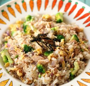 金枪鱼营养炒饭的家常做法