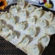 猪肉香菇小白菜馄饨的做法